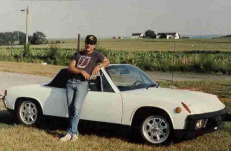 Πούλησε το αυτοκίνητό για να πληρώσει τα έξοδα του γάμου του. Χρόνια αργότερα τον περίμενε μια έκπληξη