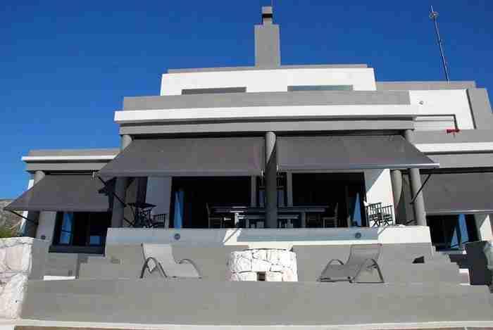 Ένα από τα ωραιότερα σπίτια της Ελλάδας με μαγευτική θέα βρίσκεται στη Κεφαλλονιά!