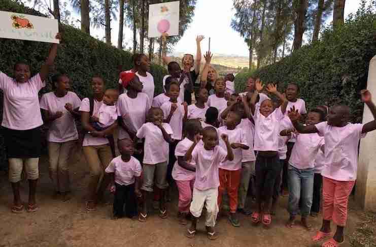 """Κακοποιημένα κορίτσια από την Κένυα θα ζήσουν σε ένα """"Κάστρο"""" χάρη στην καλοσύνη μιας μαμάς!"""
