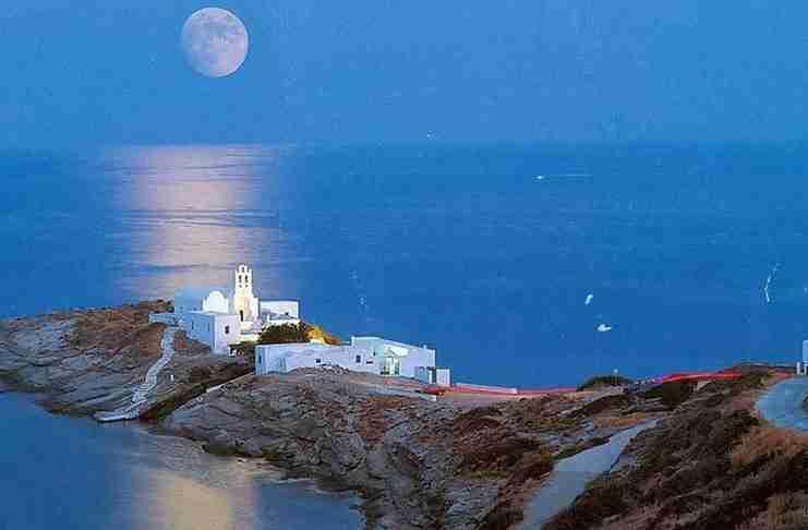 Σίφνος: Το νησί που σε μαγεύει με τις ομορφιές του!