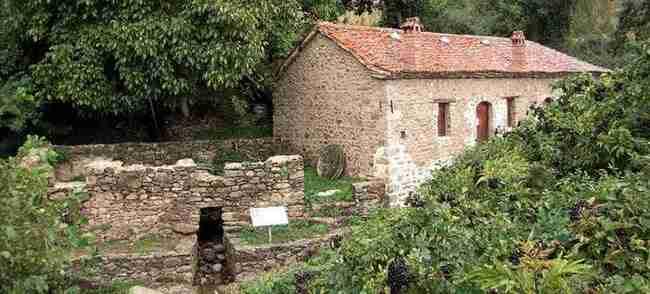 Μια όμορφη εκκλησία στη Μάνη και ένας παραδοσιακός νερόμυλος στις Πρέσπες βραβεύτηκαν από την ΕΕ