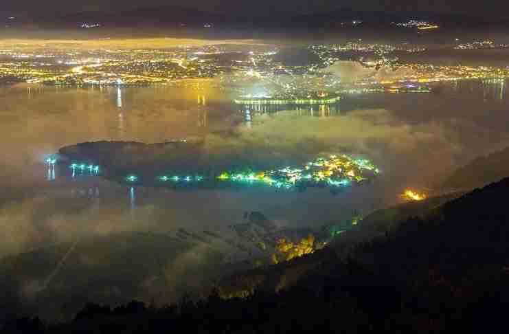 Νυχτερινή βόλτα στη Λίμνη Ιωαννίνων