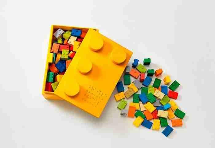 Lego με σύστημα Μπράιγ βοηθούν τα τυφλά παιδιά να διαβάζουν!