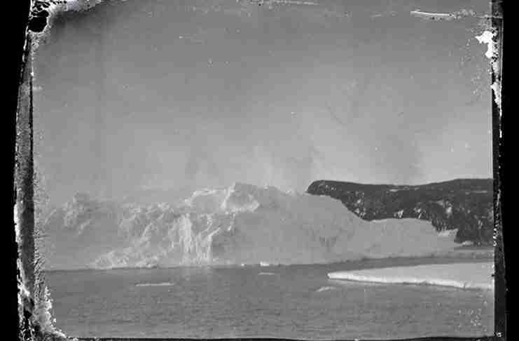 Αρνητικά από φωτογραφίες 100 ετών ανακαλύφθηκαν σε κομμάτι πάγου στην Ανταρκτική