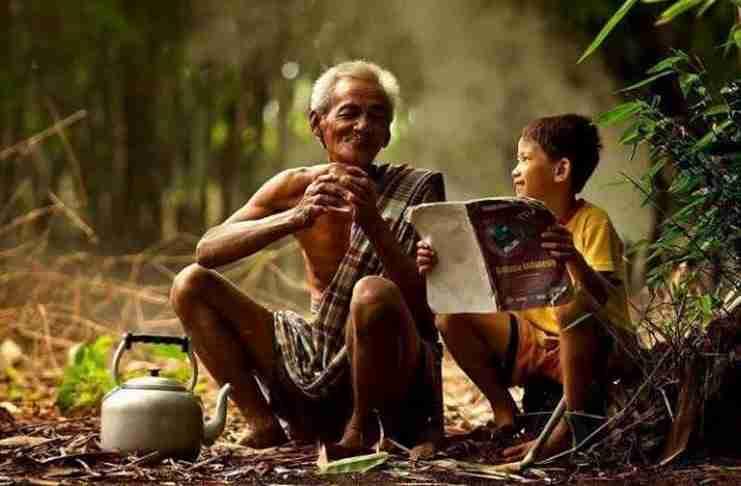 """""""Ο γέρος που δεν γελούσε ποτέ"""". Μια ιστορία που εξηγεί τι είναι πραγματικά η ευτυχία.."""