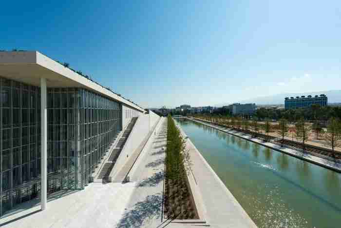 Το στολίδι της Αθήνας: 19 φωτογραφίες από το Κέντρο Πολιτισμού Ίδρυμα Σταύρος Νιάρχος