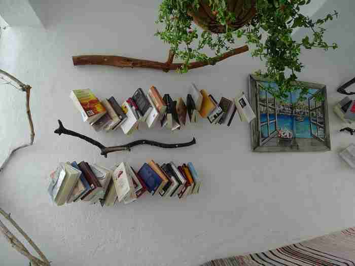 Η πιο εντυπωσιακή ανοιχτή βιβλιοθήκη βρίσκεται στην Κίμωλο