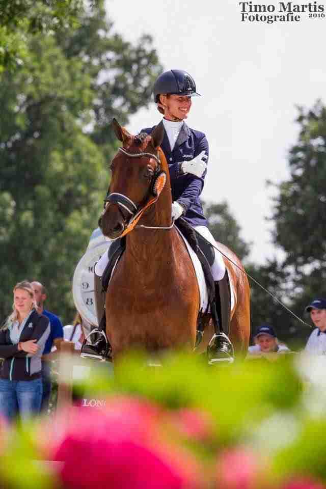 Ολυμπιονίκης εγκατέλειψε τον αγώνα στο Ρίο για να προστατεύσει το άλογό της
