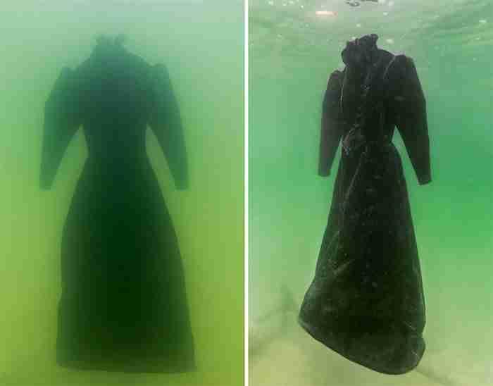 Καλλιτέχνης βύθισε ένα φόρεμα στη Νεκρά Θάλασσα. Δυο χρόνια μετά μεταμορφώθηκε σε υπέροχο αριστούργημα