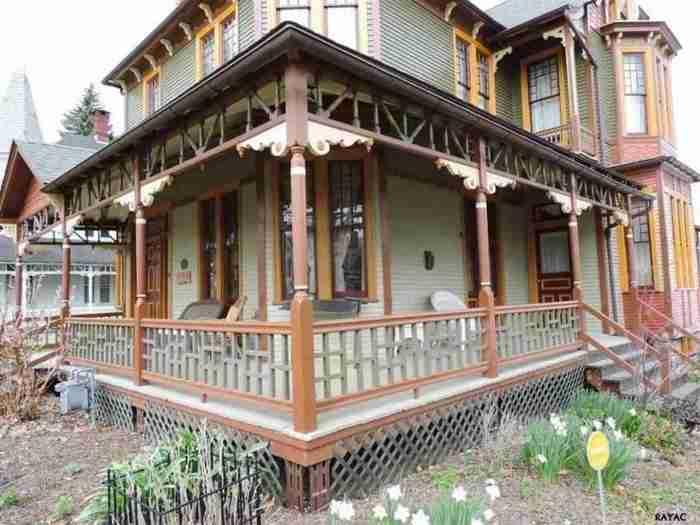 Μισογκρεμισμένο σπίτι του 1887 ανακαινίσθηκε υπέροχα βρίσκοντας ξανά την χαμένη του αίγλη