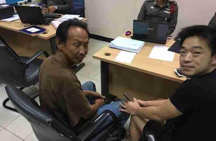 Ένας άστεγος βρήκε ένα πορτοφόλι και το επέστρεψε στον ιδιοκτήτη του. Εκείνος τον ευχαρίστησε με τον καλύτερο τρόπο