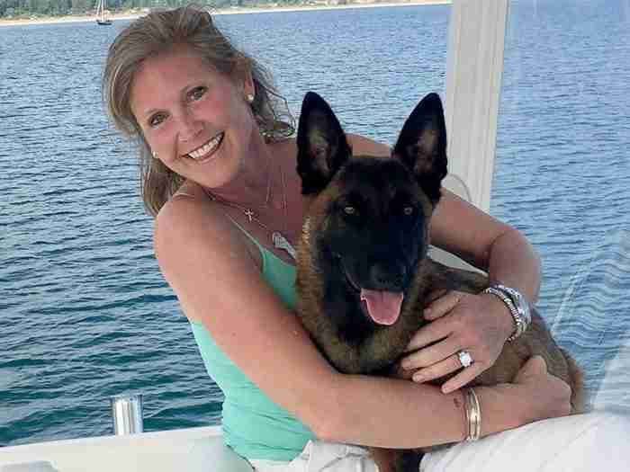 Σκύλος κολύμπησε 10 χλμ και μετά περπάτησε άλλα 19 για να ξαναβρεί τους ιδιοκτήτες του!