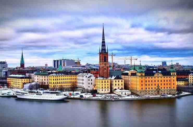 Στη Σουηδία έβαλαν τέλος στο 8ωρο και καθιέρωσαν την 6ωρη εργασία. Τα αποτελέσματα εντυπωσιάζουν