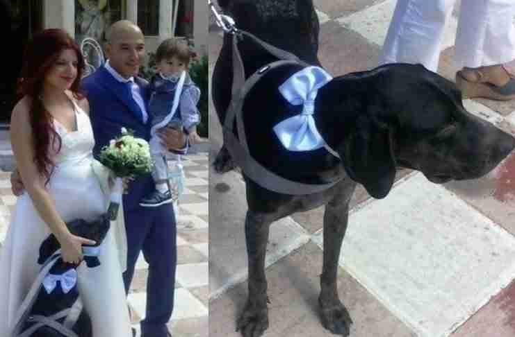 Παντρεύτηκαν και βάφτισαν τον γιο τους έχοντας δίπλα τους τον σκύλο τους