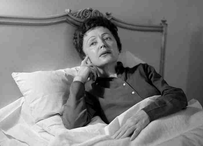 Έντιθ Πιαφ: Η ταραγμένη ζωή της γυναίκας που «δεν μετάνιωσε για τίποτα»