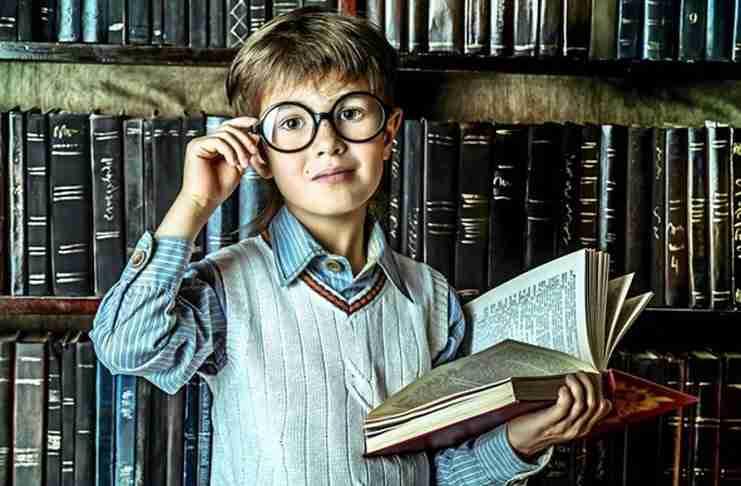 Μπαμπάς ή μαμά; Από ποιόν κληρονομούν τα παιδιά την εξυπνάδα;