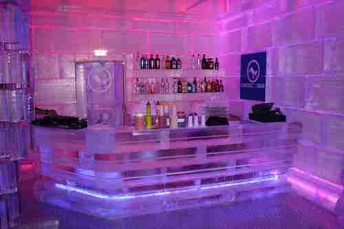 Το μοναδικό στην Ελλάδα μπαρ από πάγο βρίσκεται στη Ρόδο!