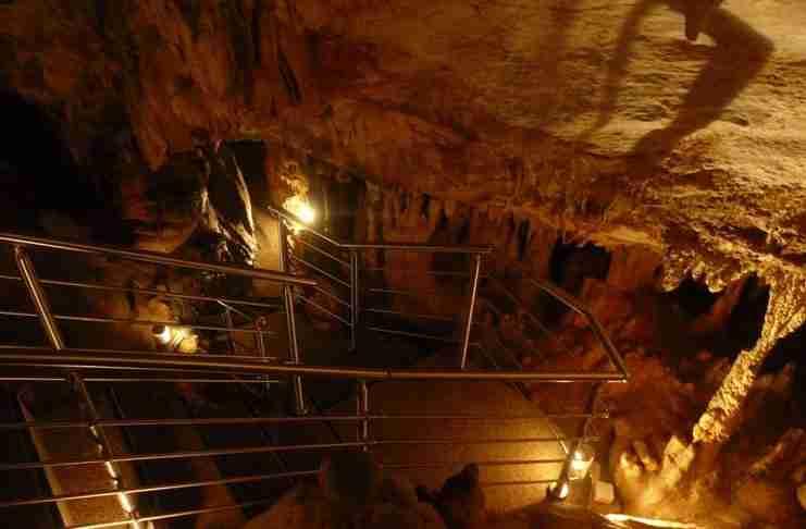 Σπήλαια στην Αττική; Και όμως υπάρχουν. Γνωρίστε τα 4 ωραιότερα!