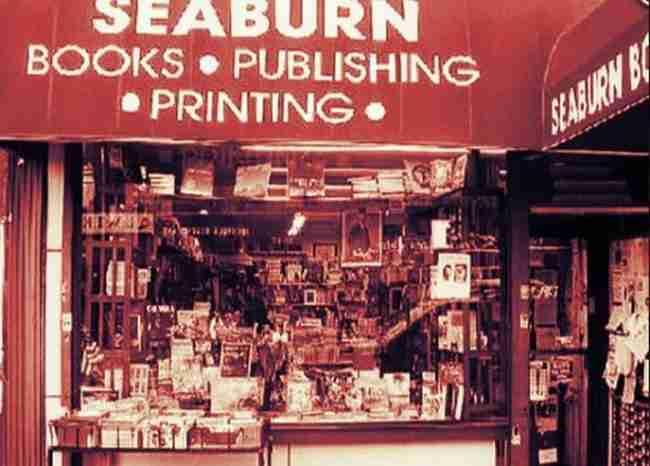 Το μοναδικό ελληνικό βιβλιοπωλείο στη Νέα Υόρκη το έχει Νιγηριανός!