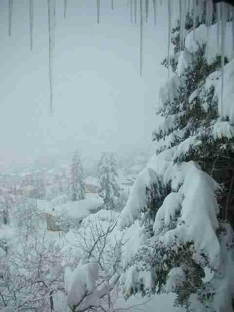"""Η """"Ελβετία"""" της Ελλάδας κρύβεται μόλις μιάμιση ώρα από την Αθήνα. Ένα παραμυθένιο χωριό με.. 3 συνοικίες"""