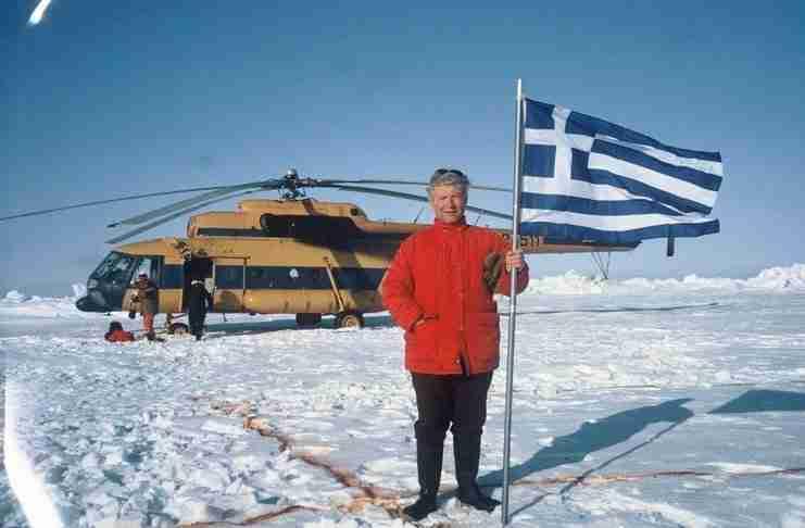 Σύμφωνα με το βιβλίο Γκίνες, ο πιο πολυταξιδεμένος άνθρωπος του πλανήτη είναι ένας Έλληνας από την Ήπειρο!