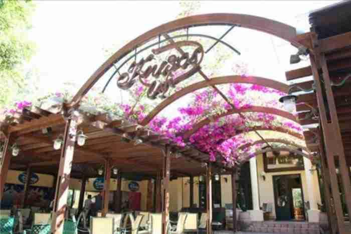 Το καφέ στα Χανιά που βρίσκεται ανάμεσα στα μεγαλύτερα ιστορικά καφέ της Ευρώπης