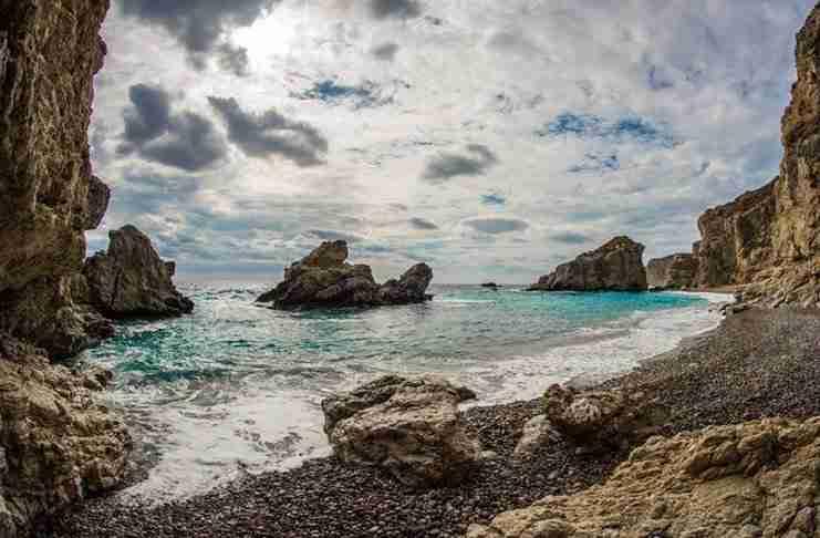 Το νησί της Ελλάδας που ονομαζόταν Πορφυρούσα. Ένα μέρος με σπουδαία ιστορία και ομορφιά...