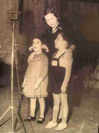 «Θεία Λένα», η ηθοποιός που μεγάλωσε μέσα από το ραδιόφωνο πολλές γενιές παιδιών