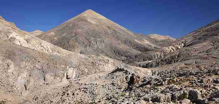 Η ορεινή Έρημος της Ελλάδας που δεν υπάρχει αλλού στο Βόρειο Ημισφαίριο. Ομορφιά αλλόκοτη, απόκοσμη, σχεδόν τρομακτική.