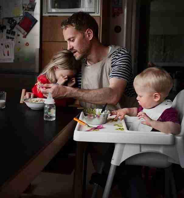 8 λόγοι που εξηγούν γιατί οι γονείς στη Σουηδία μεγαλώνουν τα παιδιά τους καλύτερα