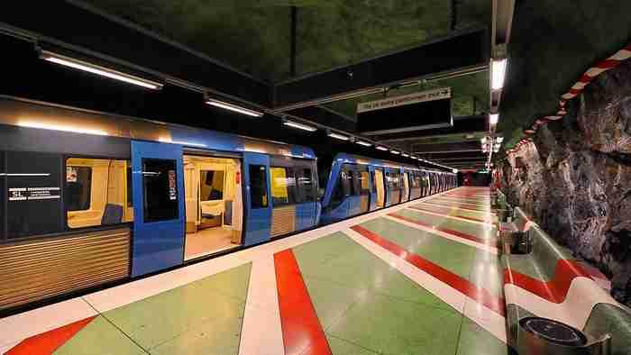 Ο Γιάννης Ρίτσος «κοσμεί» το ασύλληπτης ομορφιάς μετρό της Στοκχόλμης