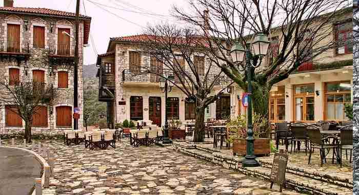 Λένε ότι αυτό είναι το ωραιότερο χωριό της Γορτυνίας. Δείτε τις φωτογραφίες και μάλλον θα συμφωνήσετε μαζί τους