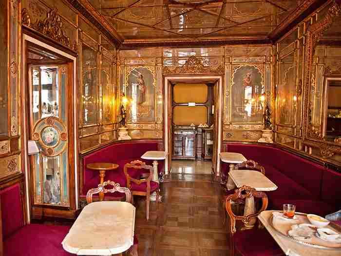 Αυτό το Καφέ στη Βενετία είναι από τα μέρη που πρέπει να επισκεφθείς κάποια στιγμή στη ζωή σου