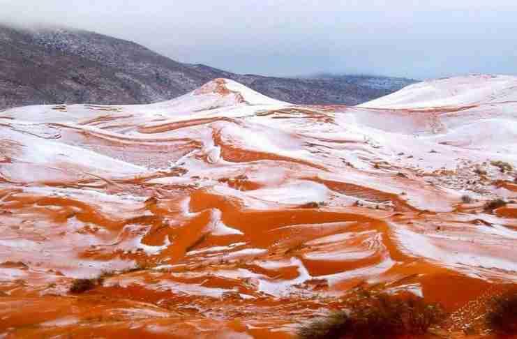 Χιόνια στη Σαχάρα έπειτα από 37 χρόνια. Η πρώτη ήταν το 1979!