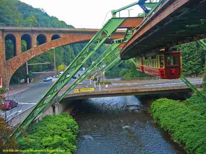 Βούπερταλ: Η πόλη με τον εντυπωσιακό εναέριο σιδηρόδρομο!