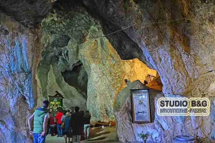 Ο ναός που θεωρείται από τους ωραιότερους της χώρας. Είναι χτισμένος πάνω σε σπηλιά και κάτω από τα θεμέλια του τρέχουν νερά από πηγές!
