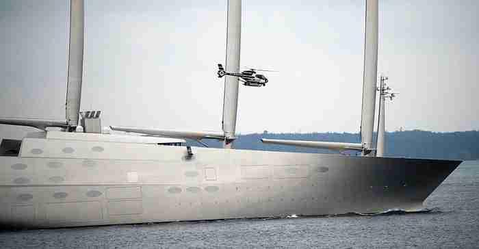Το εντυπωσιακό ιστιοφόρο των 450 εκατ. δολαρίων. Τα ιστία του είναι ψηλότερα και από το... Μπιγκ Μπεν του Λονδίνου!