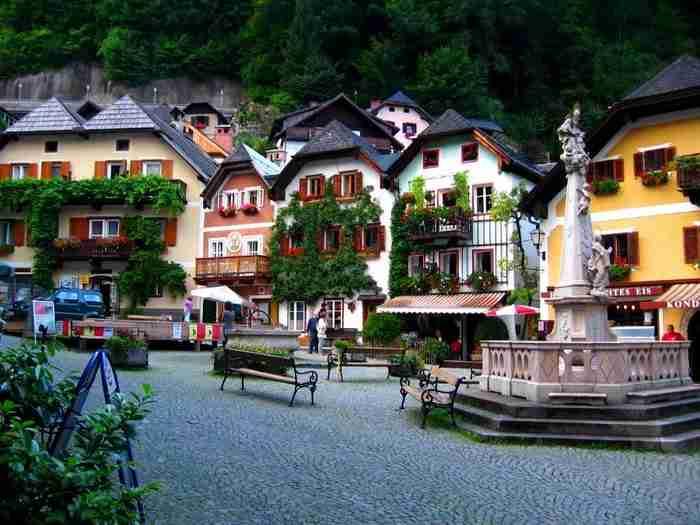 Αυτό είναι το παραμυθένιο χωριό που θα θέλεις να ζήσεις για πάντα. Σαν πίνακας ζωγραφικής!