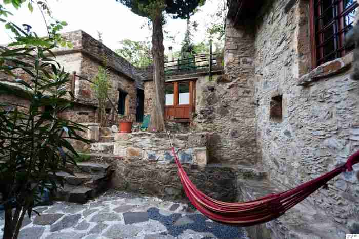 Το παραμυθένιο ελληνικό χωριό που συγκαταλέγεται στις 50 καλύτερες γωνιές του πλανήτη