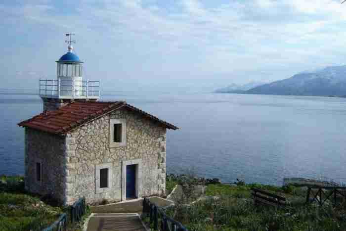 Ο προορισμός που αξίζει επιτέλους να ανακαλύψετε πολύ κοντά στην Αθήνα και έχει όλα όσα ζητάτε από ένα νησί!