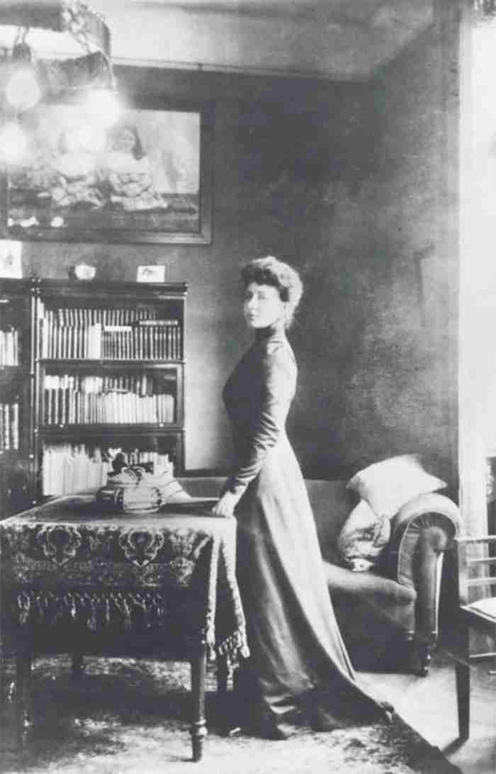 27 Απριλίου του 1941 η Πηνελόπη Δέλτα παίρνει δηλητήριο αφήνοντας μια λιτή, σπαρακτική επιστολή