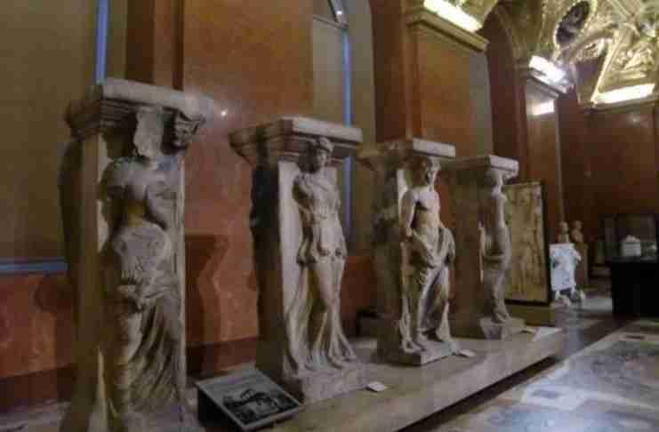 """Las Incantadas"", οι Μαγεμένες: Η άγνωστη ιστορία των Ελγινείων της Θεσσαλονίκης"