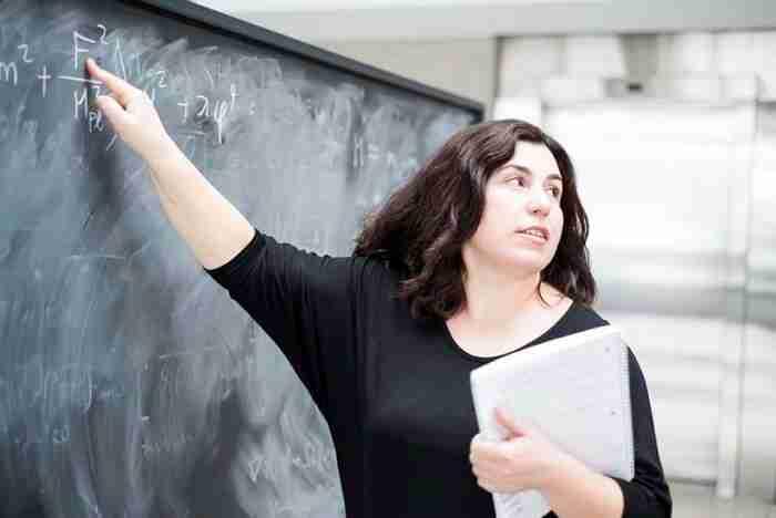 """Ασημίνα Αρβανιτάκη: Η Ελληνίδα """"Αϊνστάιν"""""""