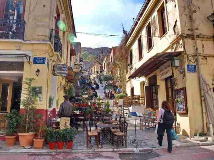 Η γειτονιά των ονείρων: Η πιο παλιά αλλά και πιο όμορφη συνοικία της Αθήνας έχει ιστορία 3.500 χρόνων!