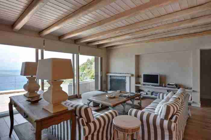 Το εντυπωσιακό σπίτι στο Πήλιο με την απίστευτη θέα στη θάλασσα!