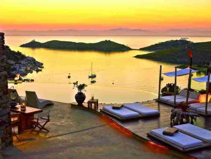 Το μαγικό νησάκι που η Telegraph αποκαλεί κρυμμένο θησαυρό της Ευρώπης βρίσκεται 1 ώρα από την Αθήνα. Και οι περισσότεροι το αγνοούν