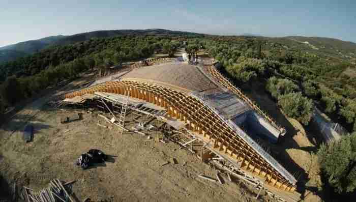 Ο αρχιτέκτονας της ελληνικής βίλας που έχει κάνει τον διεθνή τύπο να παραληρεί,εξηγεί πως συνέλαβε αυτό το τόσο φουτουριστικό σχέδιο