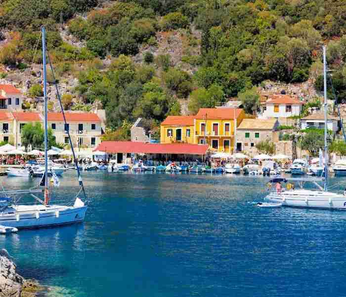 Ένα ελληνικό χωριό σαν.. ζωγραφιά! Εκεί βρίσκεται το σπίτι όπου έζησε ο Καραϊσκάκης μέχρι το 1821