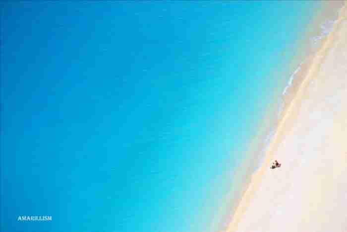 Η πολυβραβευμένη ελληνική παραλία με τα καταπράσινα νερά που την αποκαλούν.. «μικρό κομμάτι του ουρανού»!
