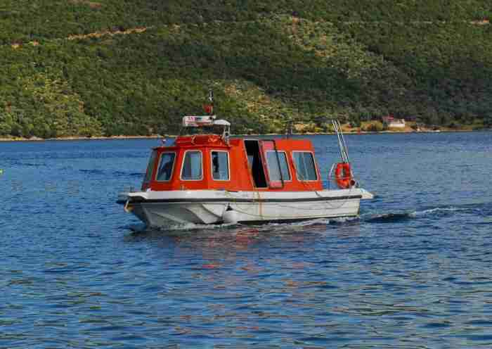 Το μοναδικής και σπάνιας ομορφιάς άγνωστο ελληνικό νησάκι που το επισκέπτεσαι μόνο με.. θαλάσσιο ταξί!